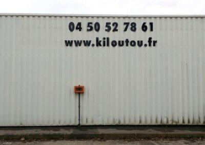 Enseigne avec lettres découpées pour Kiloutou (Annecy) par SES Grigny -Lyon