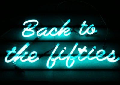Vos  enseignes néons à Lyon: Enseigne lumineuse en néon pour le restaurant La Maison (Lyon Gerland)