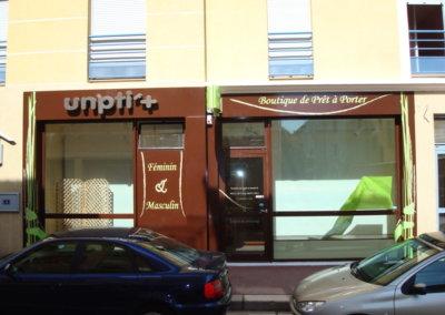 Habillage de façade à proximité de Lyon pour Un Ptit'+ (Chaponost) par SES (Grigny dans le Rhône)