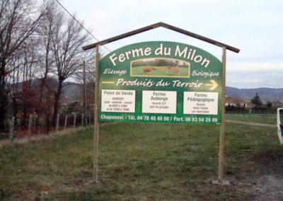 Totem pour les Fermes du Milon par SES (Grigny -Lyon)