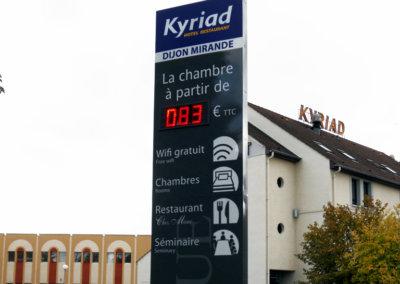 Totem pour Kyriad (Dijon Mirande) par SES (Grigny -Lyon)