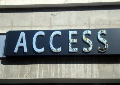 Vos enseignes lettres relief bloc led à Lyon : Enseigne lumineuse avec lettres en relief PMMA bloc led dans le Rhône pour Access (Charbonnières 69260)
