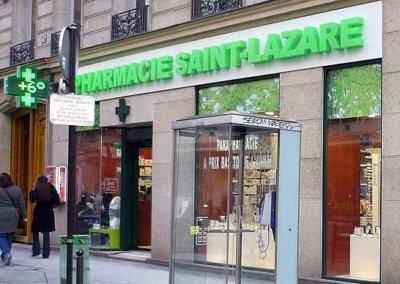 Vos enseignes  lettres relief bloc led à Lyon : Enseigne lumineuse avec lettres en relief PMMA bloc led pour la Pharmacie St Lazare ( Paris 75009)