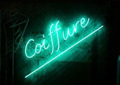Vos  enseignes néons à Lyon: Enseigne lumineuse en néon pour un salon de coiffure par SES (Grigny-Lyon)