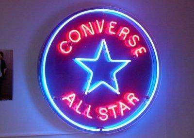 Vos  enseignes néons à Lyon: Enseigne lumineuse en néon Converse par SES (Grigny-Lyon)
