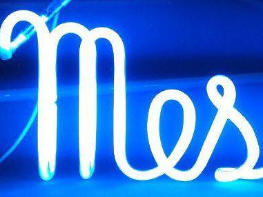 Vos  enseignes néons à Lyon: Enseigne lumineuse en néon à Lyon pour le restaurant La Maison (Lyon Gerland)