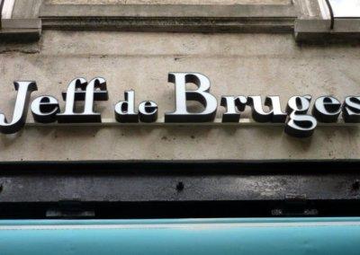 Vos enseignes lettres relief à Lyon: Enseigne lumineuse avec lettres en relief pour Jeff de Bruges par SES Grigny - Lyon