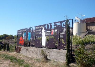 Totem Frise histoire du vin par SES (Grigny -Lyon)