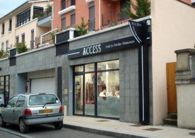 Habillage de façade  à proximité de Lyon pour Access (Charbonnières 69260) par SES (Grigny dans le Rhöne)