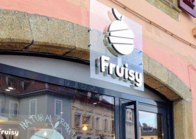 Vos enseignes à Lyon: Enseigne lumineuse avec rétro-éclairage par leds par SES (Lyon- Grigny) pour Fruisy (Evian les Bains 74500)