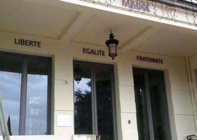 Enseigne avec lettres découpées pour une Mairie - SES (Grigny - Lyon)