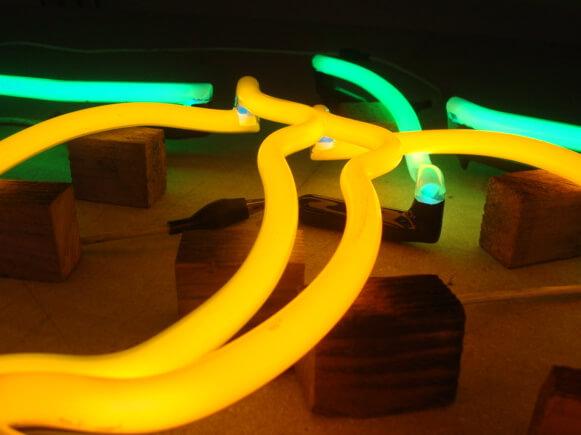 Votre enseigne néon à Lyon: Fabrication Enseignes Néons Lyon- SES Grigny