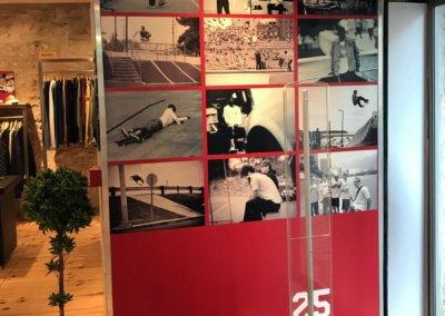 Vos enseignes à Lyon:  Panneau adhésif impression numérique à Lyon pour la boutique Addicted (Lyon 69001)