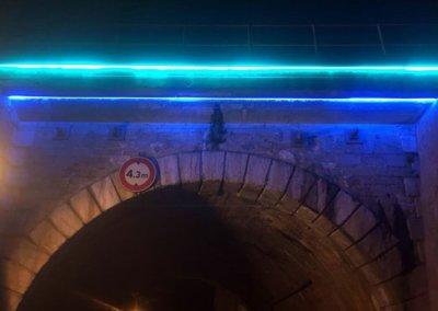 Vos enseignes à Lyon:  Pont du Bourbonnais éclairage tubes haute tension par SES ( Grigny - Lyon)