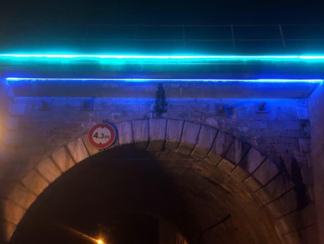 Eclairage architectural lyon pont du bourbonnais lyon 9 for Eclairage neon interieur