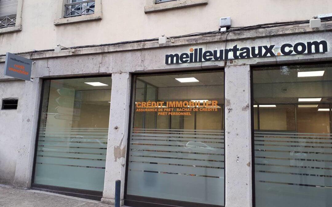 Enseignes, vitrophanie à Vienne en Isère pour  Meilleurtaux.com