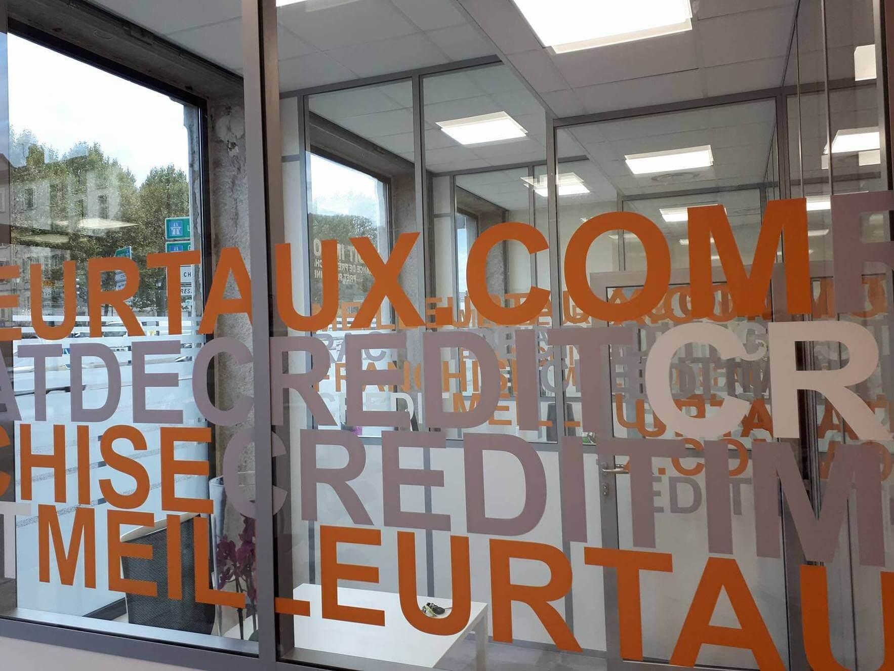 Vitrophanie- Enseigne lumineuse drapeau- Lettres découpées Rétro-éclairées par SES Grigny-Lyon