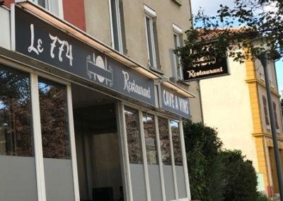 Vitrophanie à proximité de Lyon - Application d'adhésif dépoli sur vitres restaurant le 774 à Loire sur Rhone par SES (Grigny -Lyon)