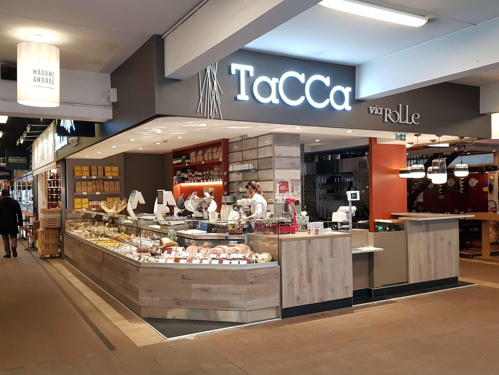 Enseigne Lumineuse et Enseignes Drapeau à Lyon pour TACCA - Halles Paul Bocuse