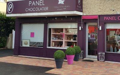 Enseigne Lumineuse et Panneau dans le Rhône pour  la Chocolaterie Panel à Grigny