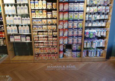 Vos enseignes à Lyon - Enseigne Lyon - Adhésif sol Pharmacie Lyon