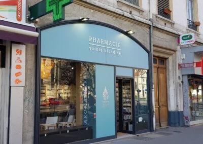 Vos enseignes à Lyon - Enseigne Pharmacie Lyon -Sainte Blandine