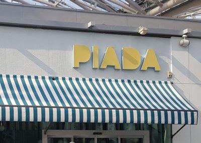 Enseigne Lyon Confluence Piada