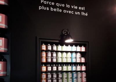 Lettrage Adhesif intérieur Lyon 6 Boutique Human & Tea