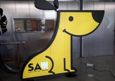 Enseigne led lumineuse - Totem lumineux  Lyon - en forme de chien par SES Grigny - Rhône