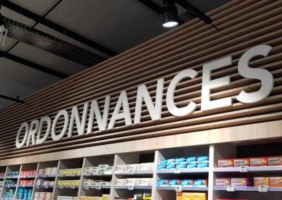 Enseignes Lettres découpées Pharmacie Les Platanes Drôme par SES grigny-Lyon