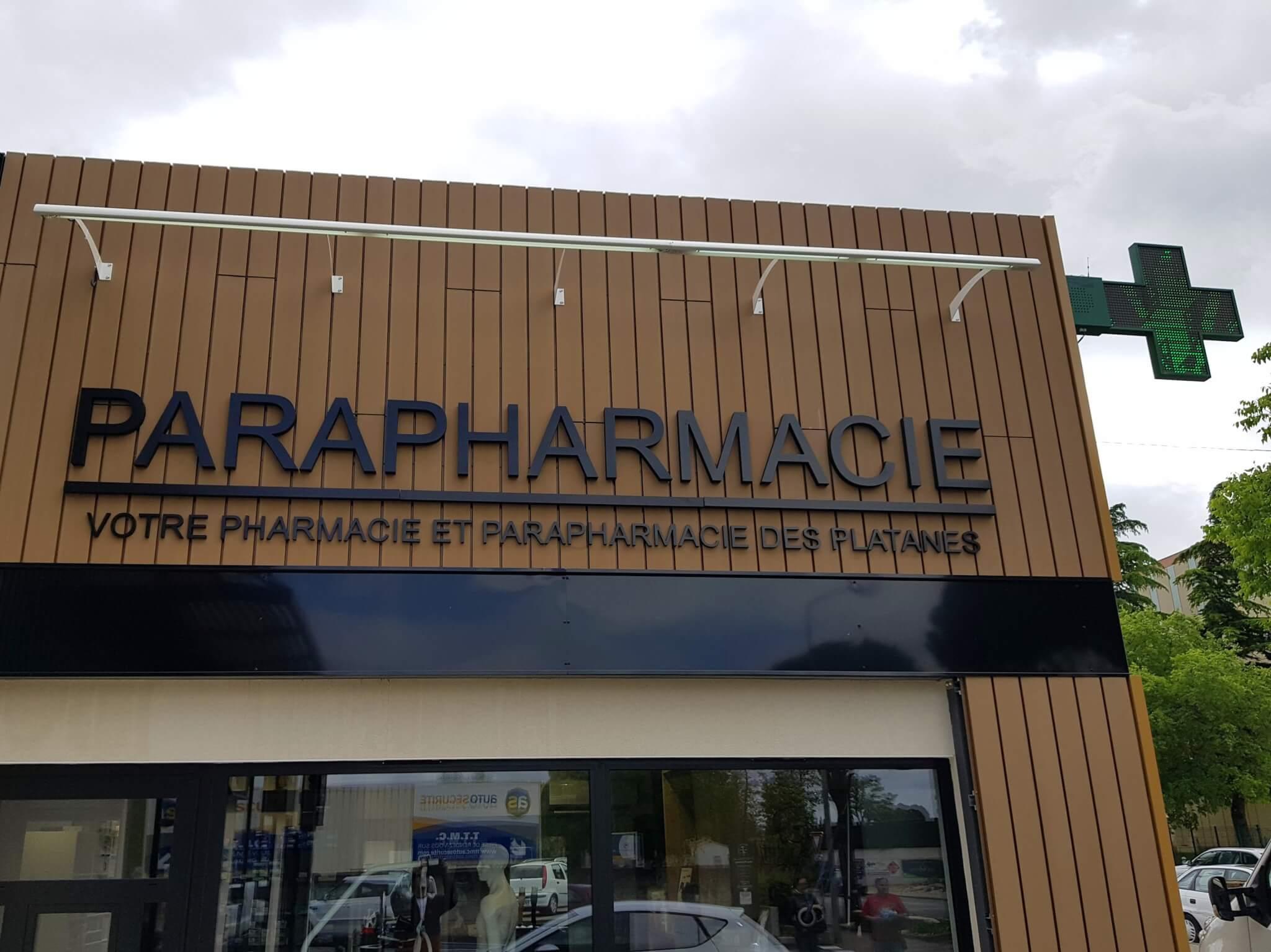 Enseignes Lumineuses - Croix de Pharmacie Croix de Pharmacie Les Platanes Drôme