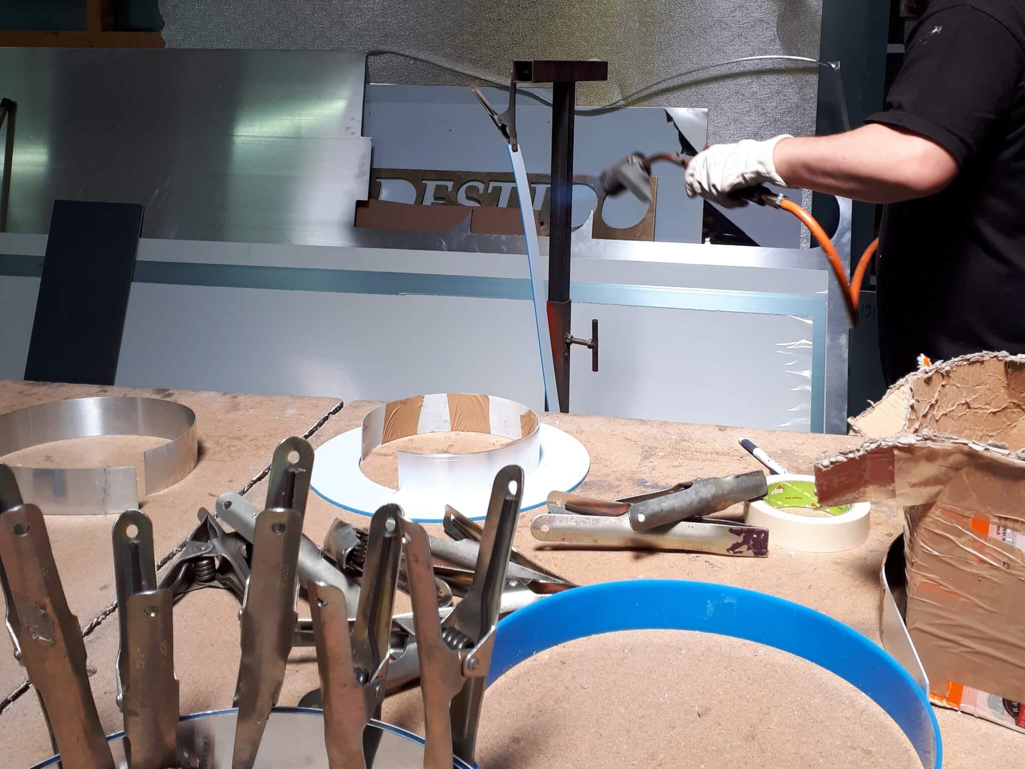 Fabrication d' Enseignes à Lyon  par SES Grigny Rhône