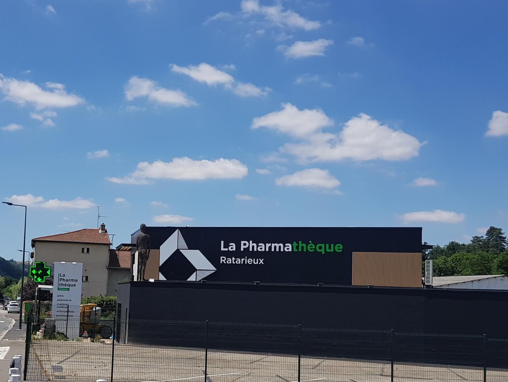 Enseignes de Pharmacie -  Fabrication Lettre Relief- SES Grigny-Rhône
