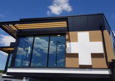 Votre signalétique à Lyon - Croix de Pharmacie PMMA pour Pharmathèque Ratarieux- SES Grigny-Rhône