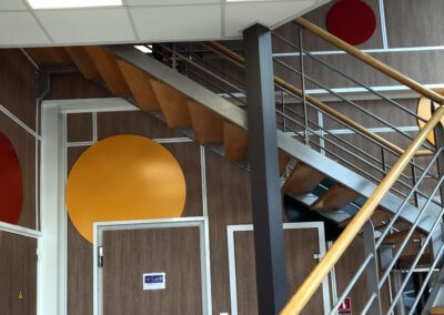 Décoration Murale - Enseigne Lyon- Adhésif mural bureaux et signalétique PVC laqué - SES Grigny -Lyon