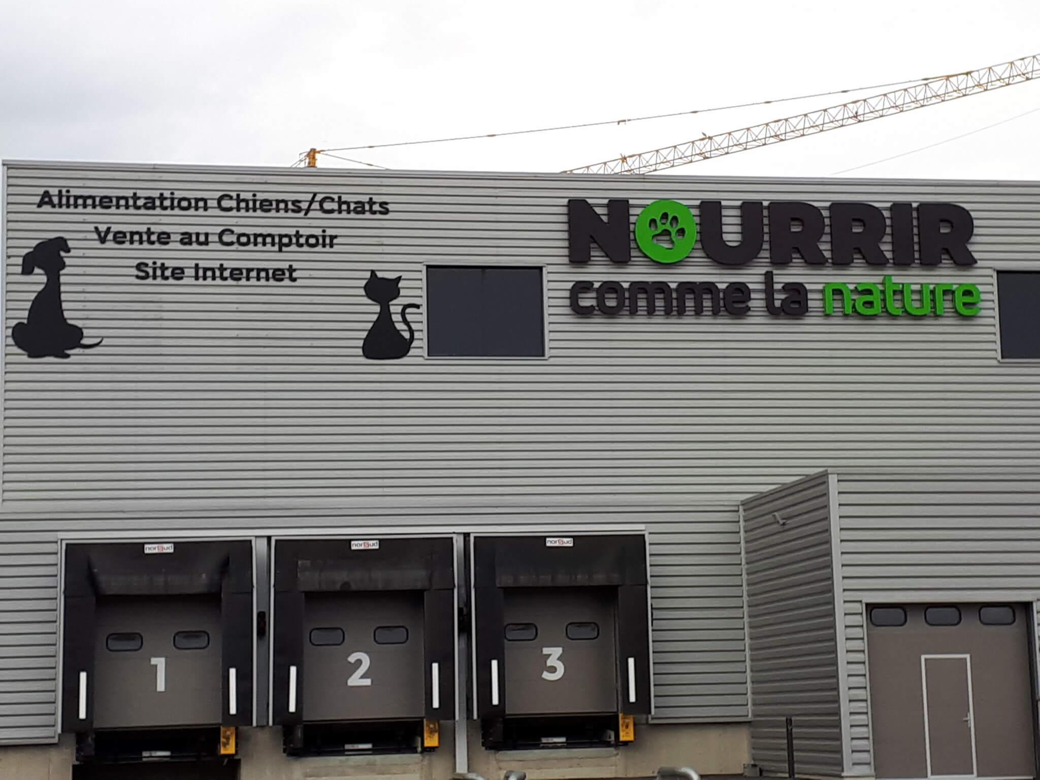 Enseignes bâtiment industriel- SES Grigny - Lyon - Enseigne lettre découpée