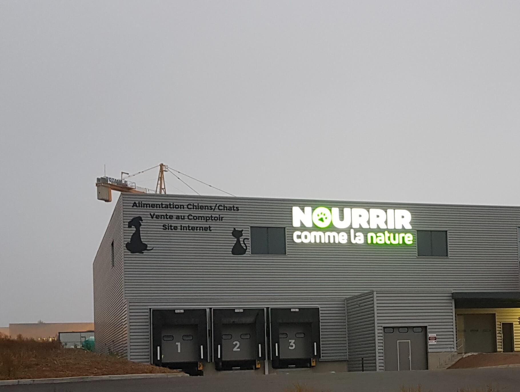 Fabrication Installation Enseignes lumineuses à led -SES Grigny -Lyon