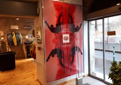 Panneau Adhésif impression numérique pour Addicted Lyon