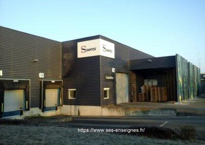 Enseignes à Lyon- Fabrication et installation Enseigne et lettres boîtiers pour Santos par SES Grigny -Rhône