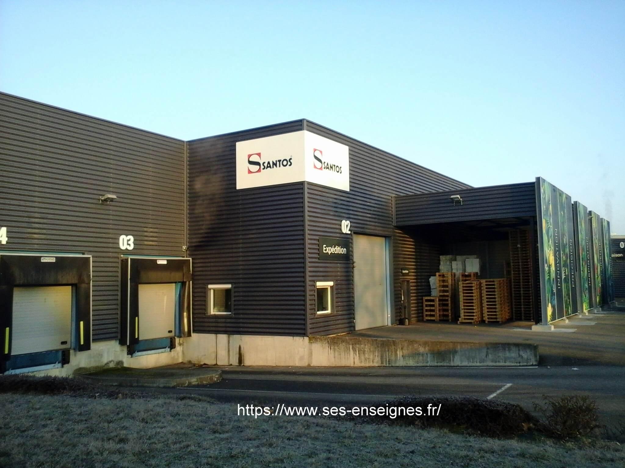 Enseignes pour Santos à Lyon- Fabrication et installation Enseigne et lettres boîtiers pour Santos par SES Grigny -Rhône