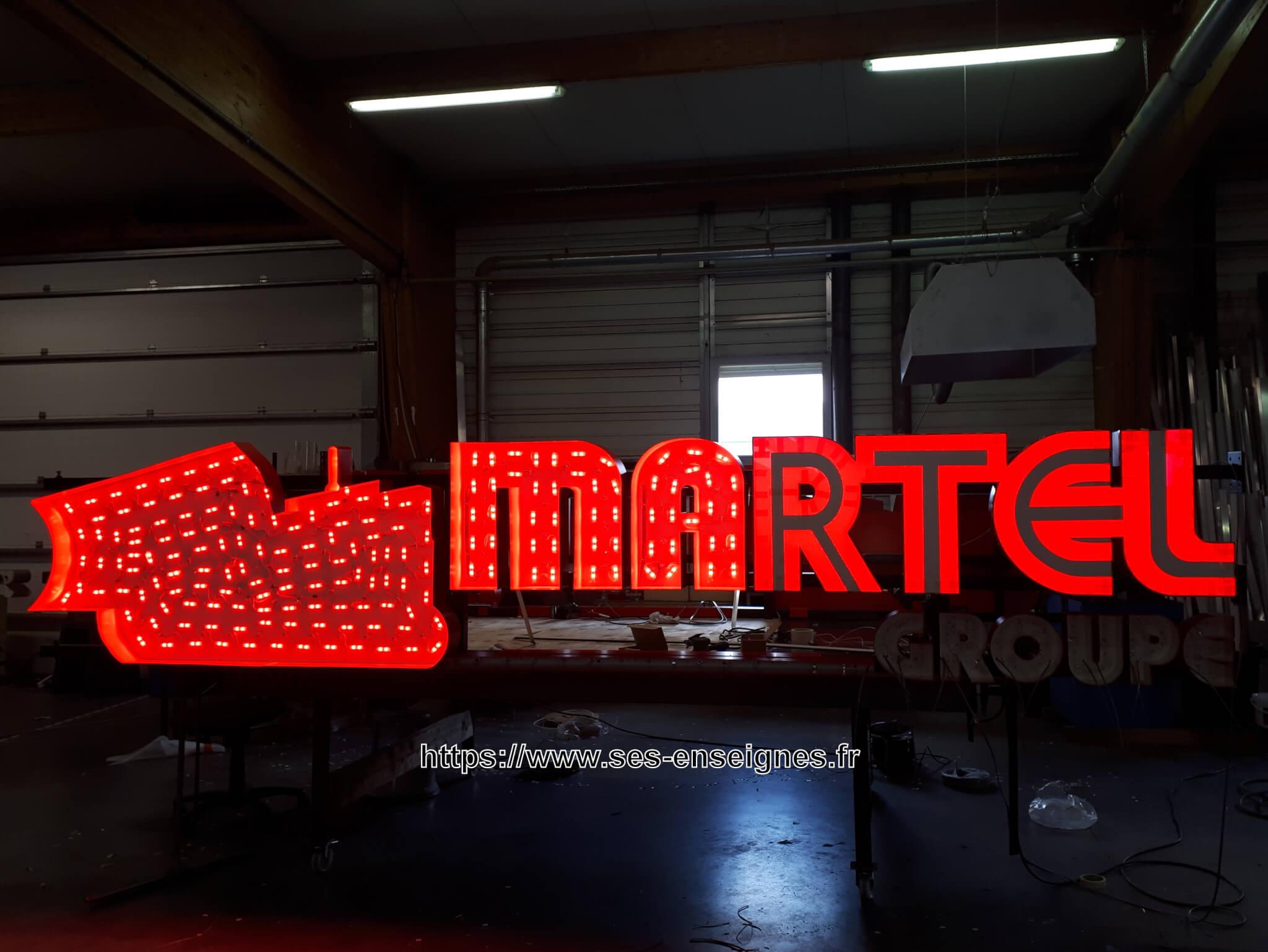Enseigne grand format lumineuse à Lyon -Fabrication et installation de led - SES Grigny - Rhône