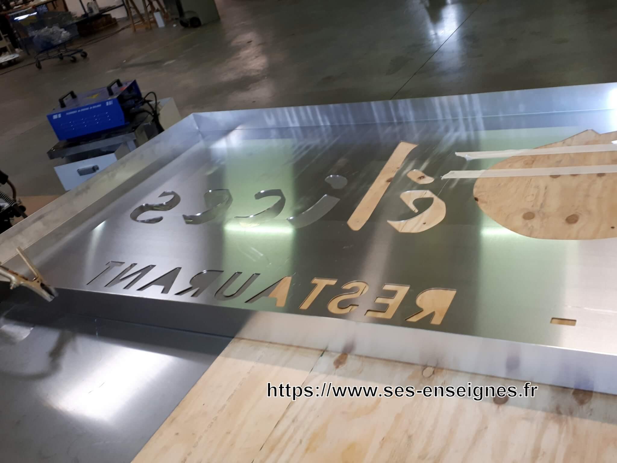 Fabrication enseigne lumineuse led - Caisson lumineux SES Grigny- Lyon pour Asmaé Délices - Saint Clair du Rhône