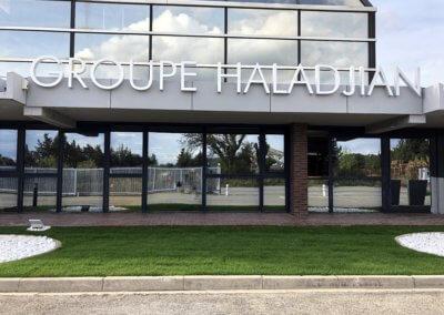 Enseigne lettre relief lumineuse pour le Groupe Haladjian SES Grigny-Lyon