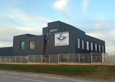 Vos enseignes à Lyon -Enseigne panneau pour Batiment Industriel Lyon Saint Exupery par SES Enseigniste Grigny Lyon