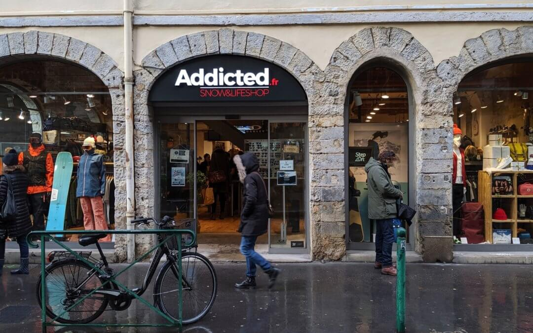 Enseigne Lumineuse à Lyon Addicted