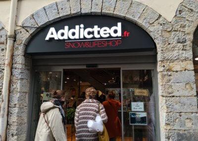 Enseigne Lettre relief lumineuse Led Addicted Lyon - SES Enseigniste Lyon Grigny