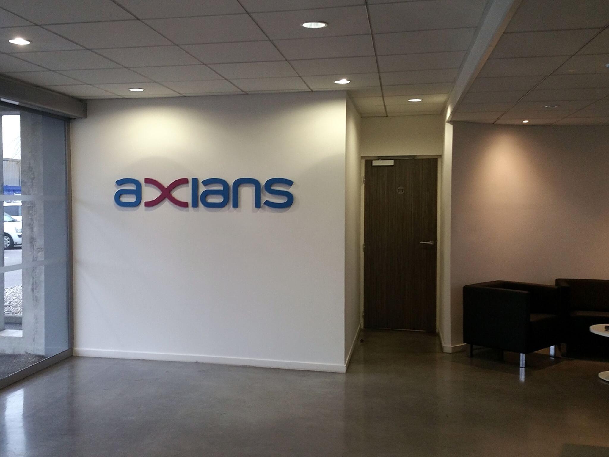 Enseigne intérieur bureaux Axians - SES Grigny Lyon - Enseigniste