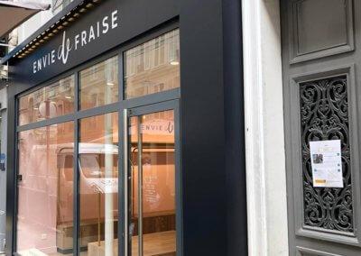 Enseigne-et-signaletique-Boutique-Envie-de-Fraise-Rue-de-Levis-Paris-17-SES-enseignes-Lyon-Enseigniste