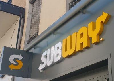 Enseignes Drapeau et enseignes relief lumineuse - Subway Oullins- SES Grigny Lyon -