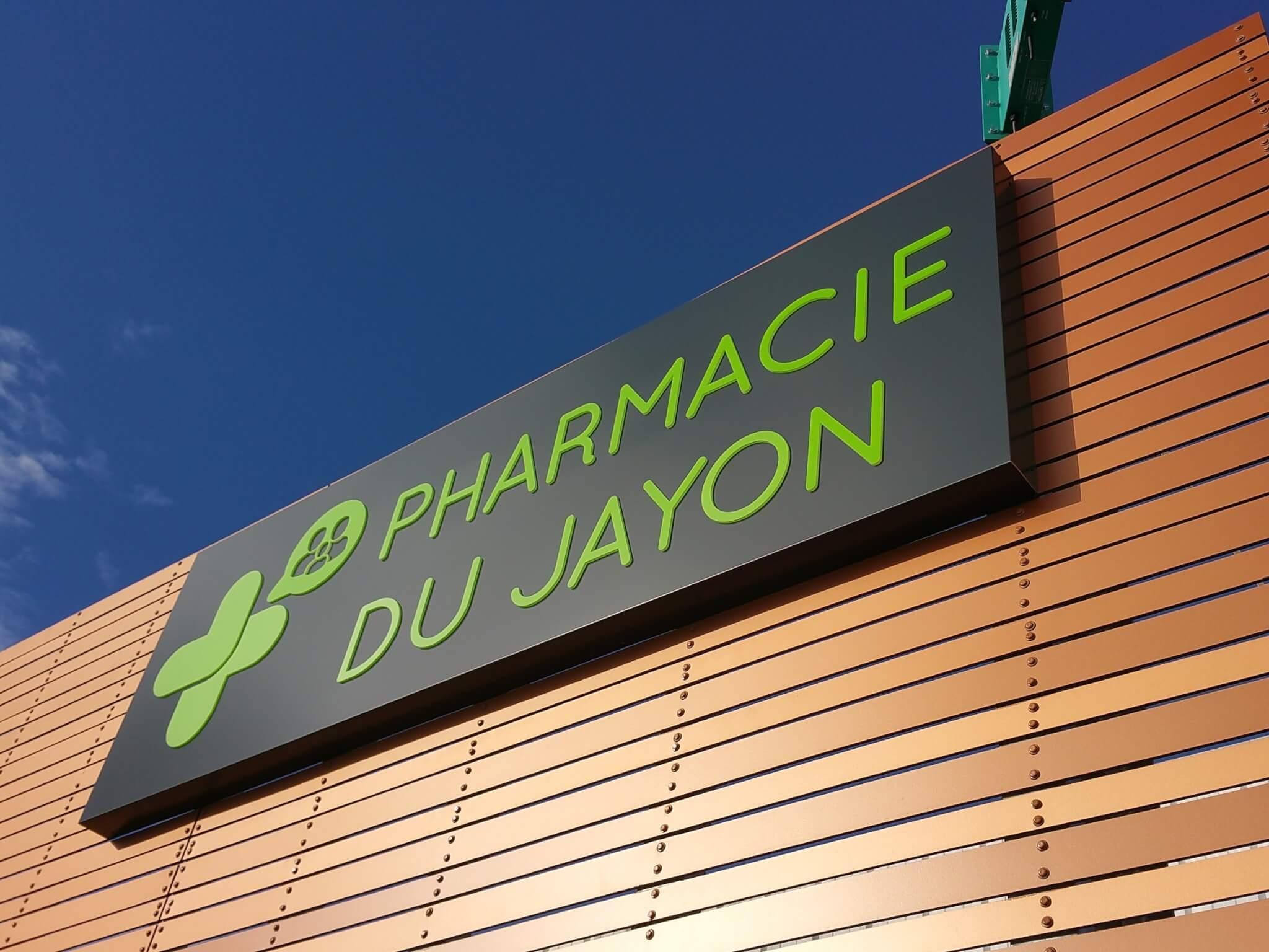 Enseigne Pharmacie Lyon- Pharmacie du Jayon Grigny - SES Fabrication Installation enseigne sur-mesure